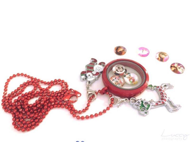 vianocny darcek cerveny